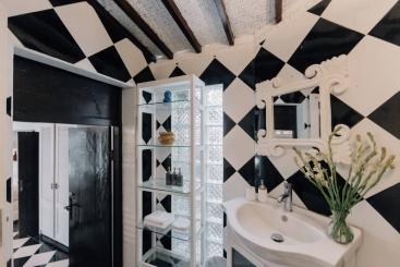 The Chalet - Bedroom two ensuite vanity