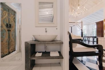 The Chalet - Master bedroom ensuite vanity