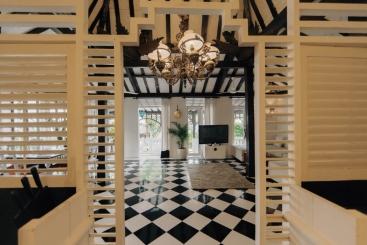 The Chalet - Stylish kitchen shutters