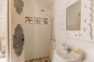 The Snug - Ensuite shower